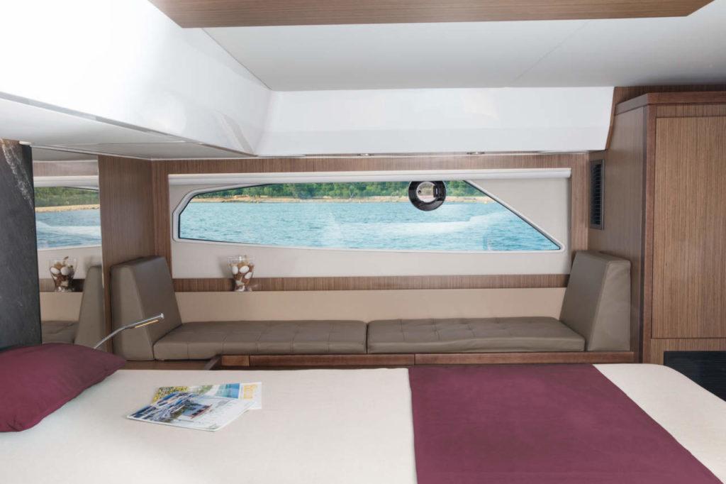 Sealine C530 Master Cabin