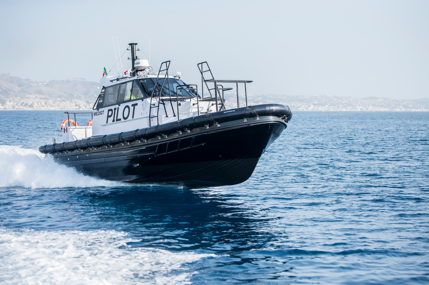 Stretto di Messina Pilotina Bellcraft Volvo Penta Italia