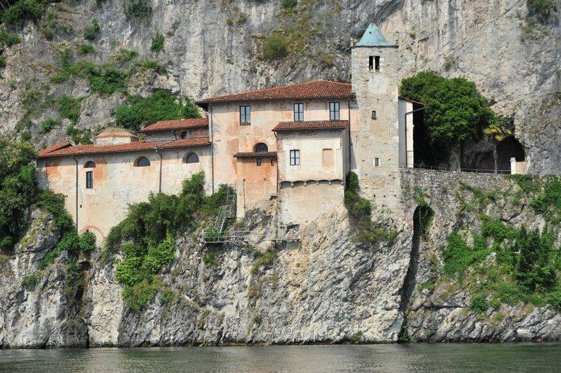 Santa Caterina del Sasso Lago Maggiore