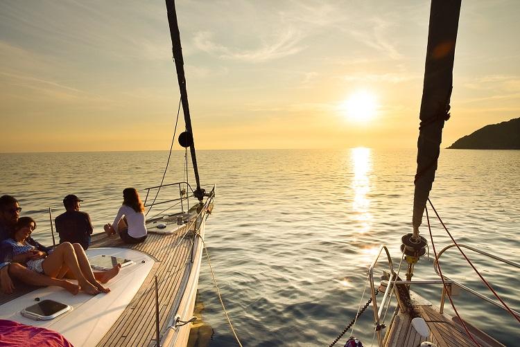 Sailsquare Addio nubilato in barca a vela sposa