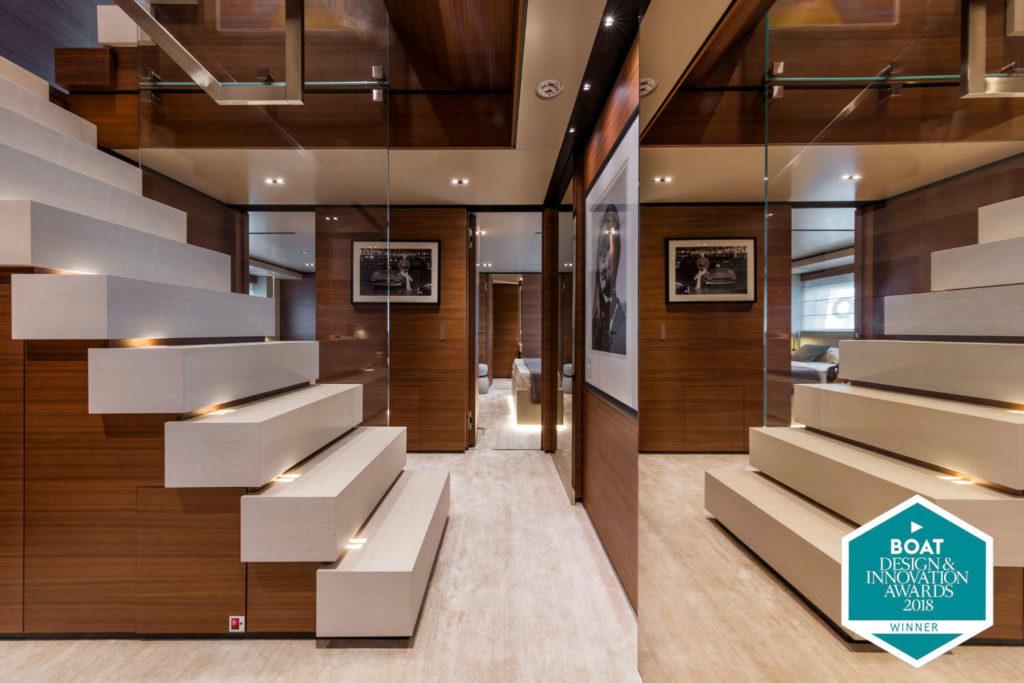 Ferretti Custom Line Navetta 33 telli yacht
