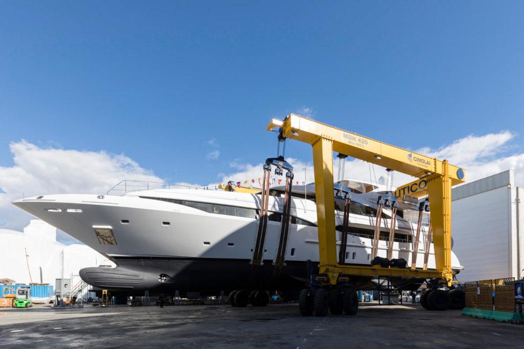 Mangusta Oceano 46 yacht varo