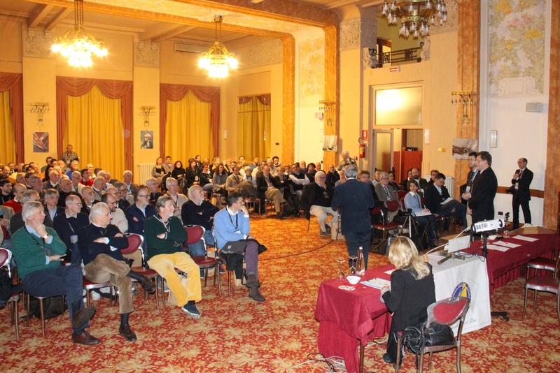 Il pubblico al Palace Grand Hotel di Varese - Foto Maccione